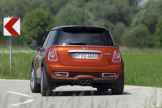 2012 Mini Cooper S - New Car Review featured image large thumb7