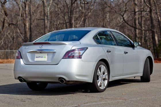 2012 Nissan Maxima: Real-World Test featured image large thumb4