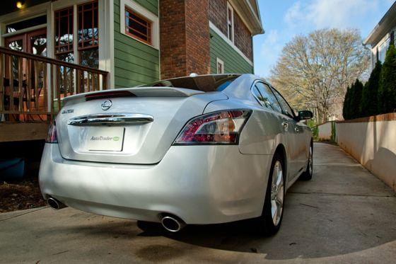 2012 Nissan Maxima: Real-World Test featured image large thumb5