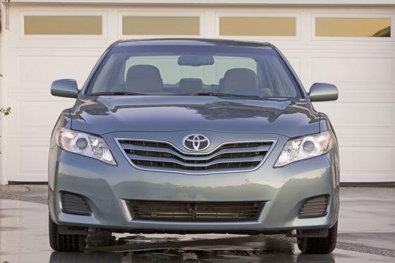 2011 Toyota Camry - New Car Review featured image large thumb3