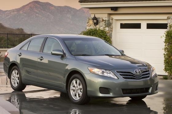 2011 Toyota Camry - New Car Review featured image large thumb4