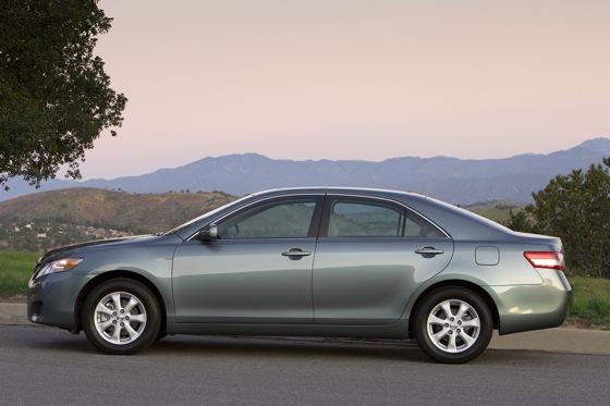 2011 Toyota Camry - New Car Review featured image large thumb5