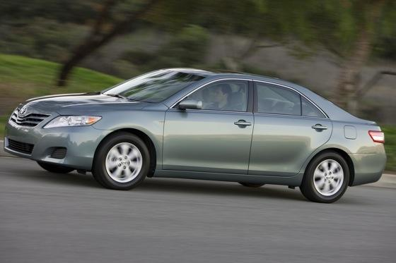 2011 Toyota Camry - New Car Review featured image large thumb6