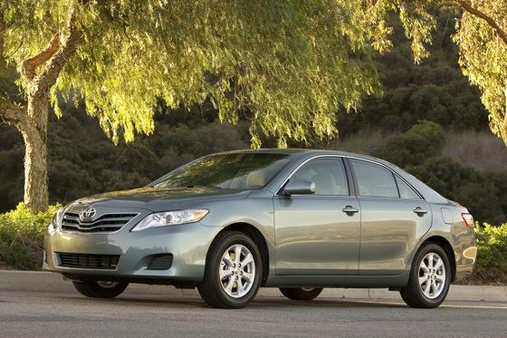 2011 Toyota Camry - New Car Review featured image large thumb9