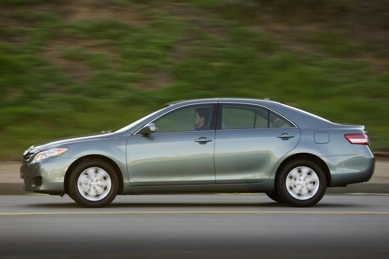 2011 Toyota Camry - New Car Review featured image large thumb10