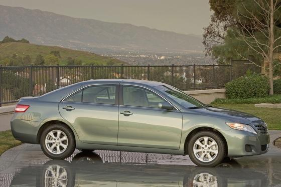 2011 Toyota Camry - New Car Review featured image large thumb14