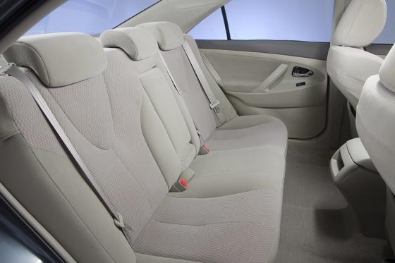 2011 Toyota Camry - New Car Review featured image large thumb19