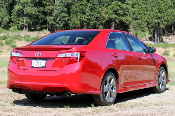 2012 Toyota Camry: New Car Review featured image large thumb10