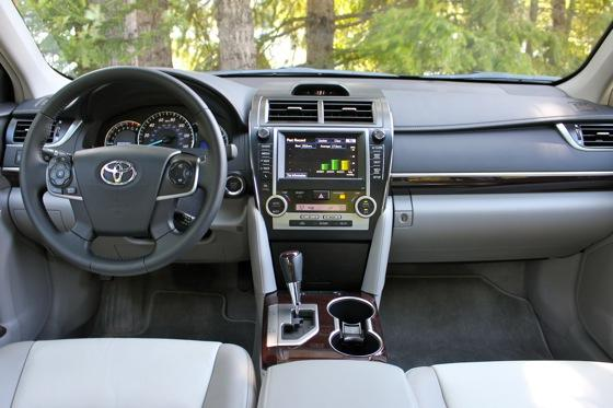 2012 Toyota Camry: New Car Review featured image large thumb13