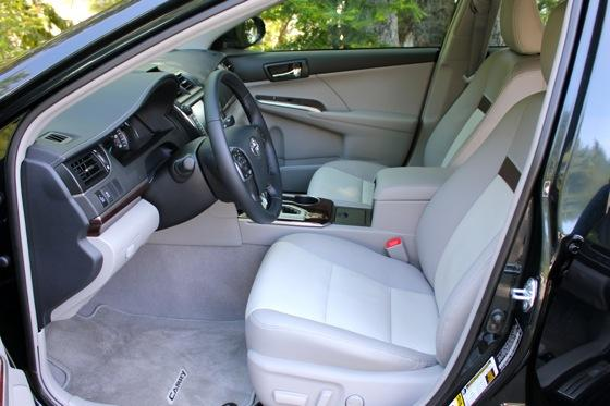 2012 Toyota Camry: New Car Review featured image large thumb16