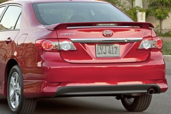 2012 Toyota Corolla: New Car Review featured image large thumb12
