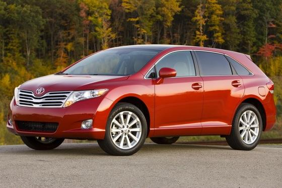 New Car Review: 2011 Toyota Venza featured image large thumb1