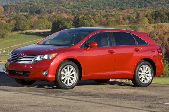 New Car Review: 2011 Toyota Venza featured image large thumb7