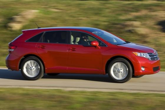 New Car Review: 2011 Toyota Venza featured image large thumb10