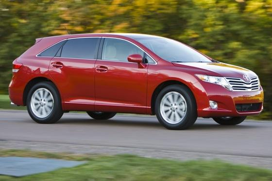 New Car Review: 2011 Toyota Venza featured image large thumb11