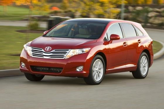 New Car Review: 2011 Toyota Venza featured image large thumb13