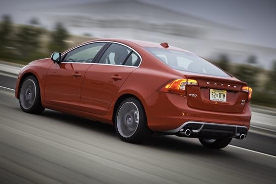 2012 Volvo S60 T6 R-Design - New Car Review featured image large thumb5