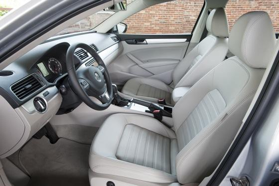 2013 Volkswagen Passat: New Car Review featured image large thumb3