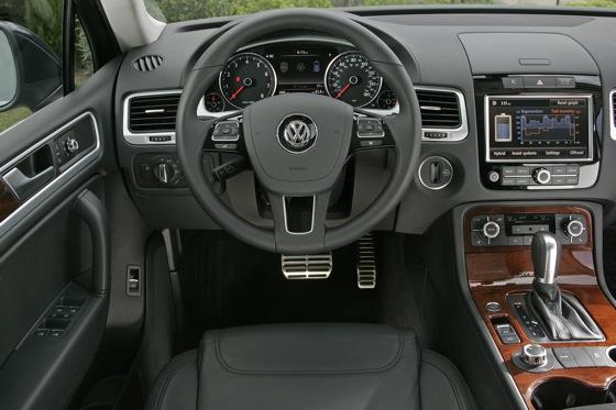 2011 Volkswagen Touareg Hybrid - New Car Review featured image large thumb8