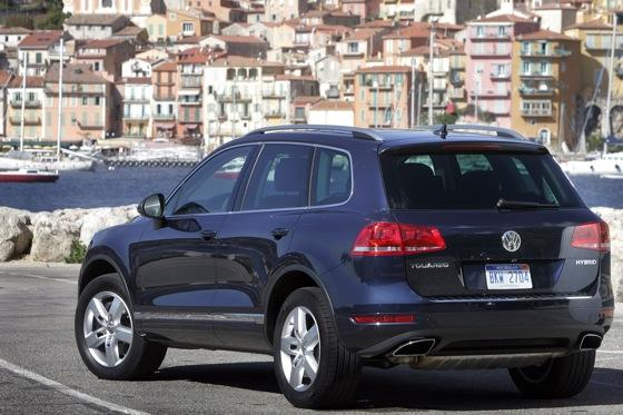 2011 Volkswagen Touareg Hybrid - New Car Review featured image large thumb2
