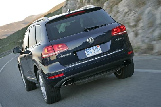 2011 Volkswagen Touareg Hybrid - New Car Review featured image large thumb4
