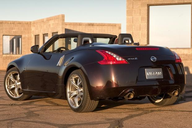 2010 Nissan 370Z: Used Car Review featured image large thumb1