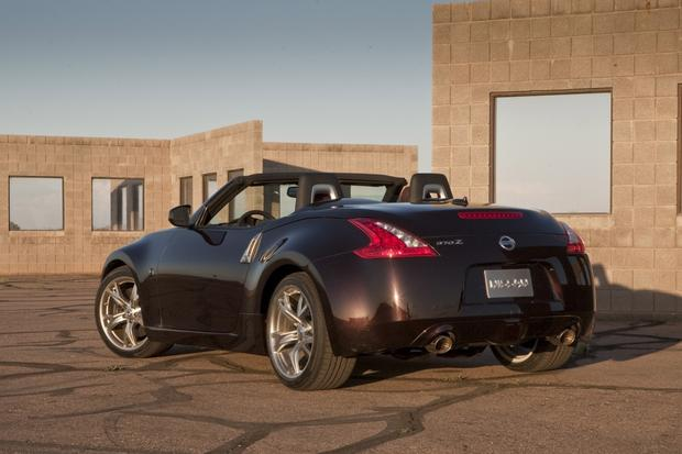 2014 Nissan 370Z: New Car Review featured image large thumb5
