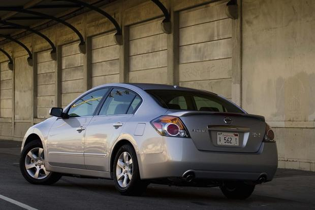 2007-2012 Nissan Altima: Used Car Review featured image large thumb1