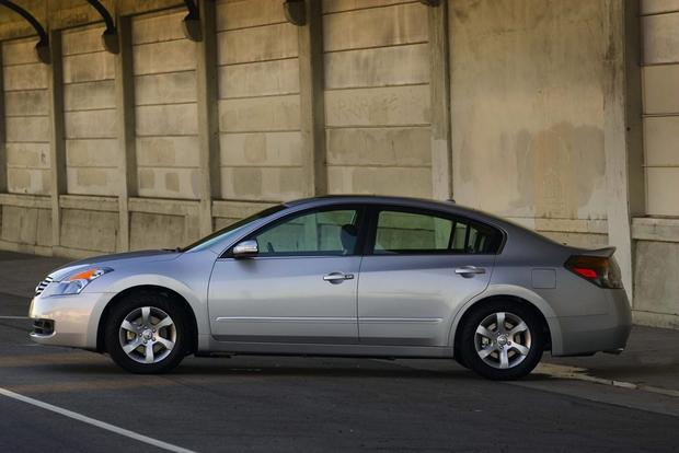 2007-2012 Nissan Altima: Used Car Review featured image large thumb2
