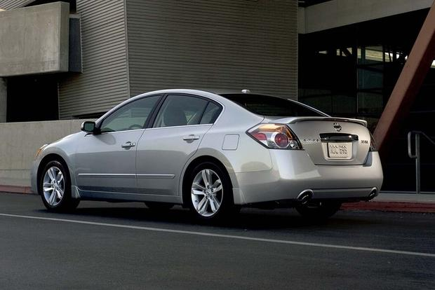 2007-2012 Nissan Altima vs. 2008-2012 Honda Accord: Which Is Better ...