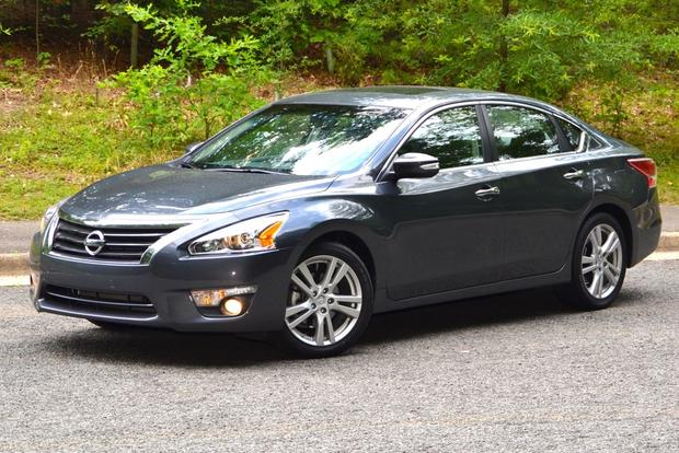 2013 Nissan Altima: New Car Review featured image large thumb0