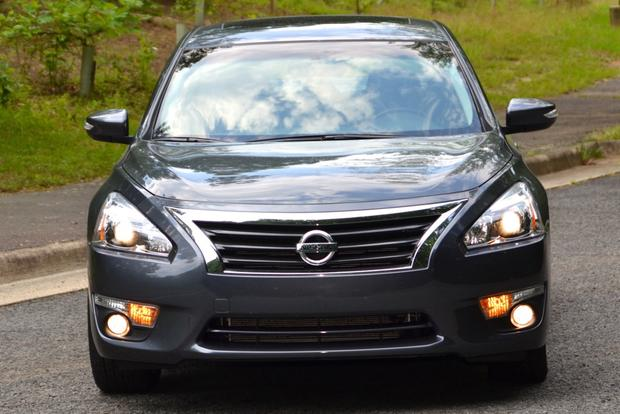 2013 Nissan Altima: New Car Review featured image large thumb2