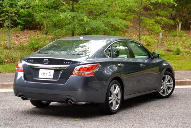 2013 Nissan Altima: New Car Review featured image large thumb4