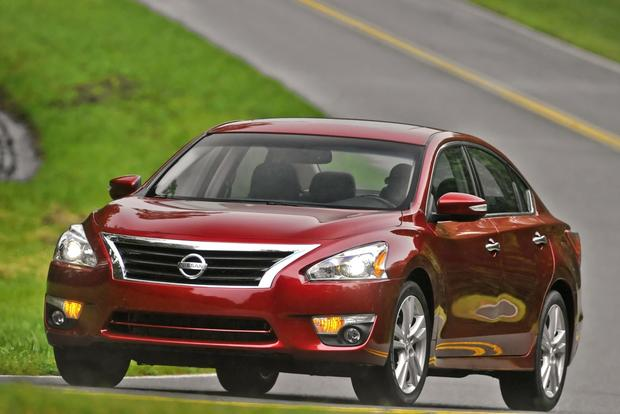 2015 Nissan Altima: New Car Review featured image large thumb2