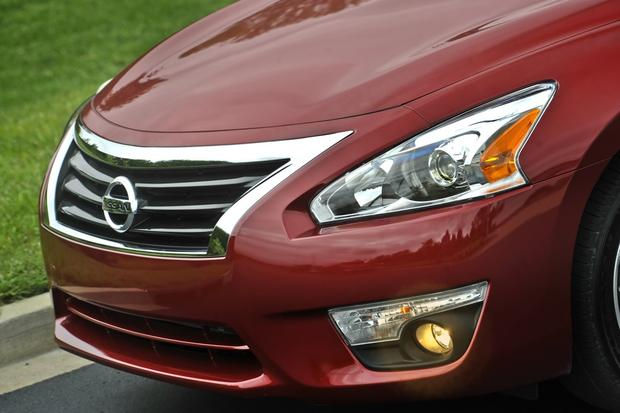 2014 Nissan Altima: New Car Review featured image large thumb3