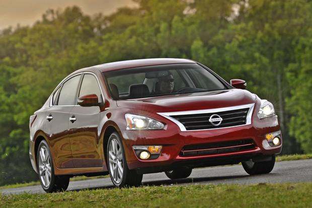 2014 Nissan Altima: New Car Review featured image large thumb2