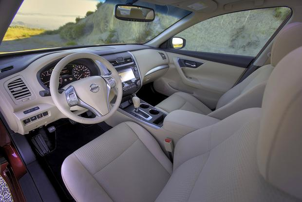 2015 Nissan Altima: Used Car Review Featured Image Large Thumb4
