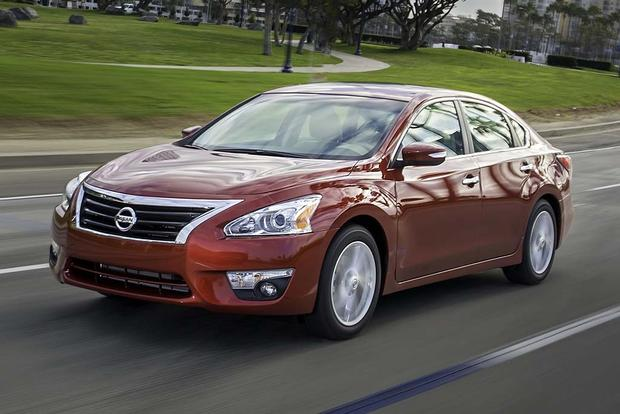 2016 Nissan Altima What S The Difference Featured Image Large Thumb11