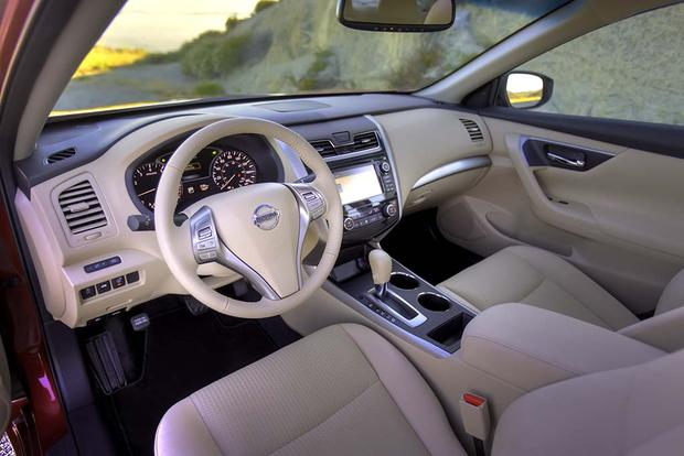 2016 Nissan Altima What S The Difference Featured Image Large Thumb1