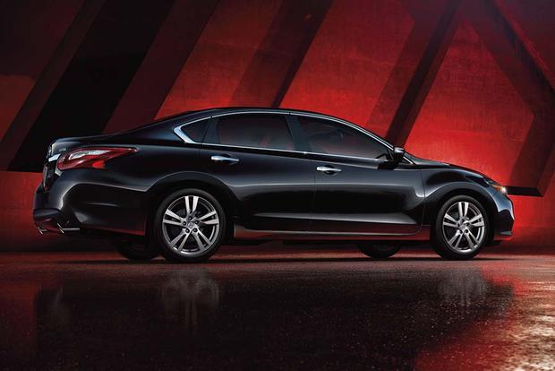 2016 Nissan Altima: New Car Review featured image large thumb3