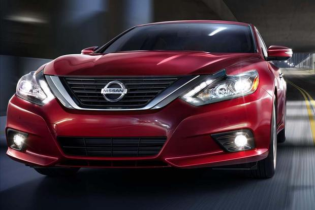 2016 Nissan Altima: New Car Review featured image large thumb5