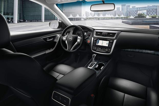 2018 Nissan Altima: New Car Review Featured Image Large Thumb4