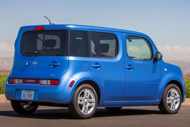 2017 Nissan Cube New Car Review Featured Image Large Thumb0