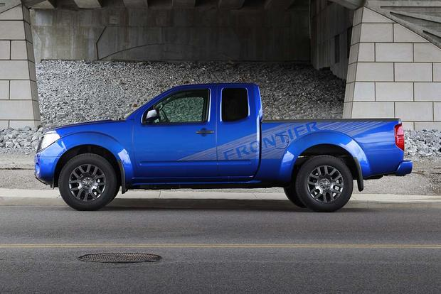 Compare Cargo Towing Solutions Vs Hopkins Engager: 2012 Nissan Frontier: Used Car Review