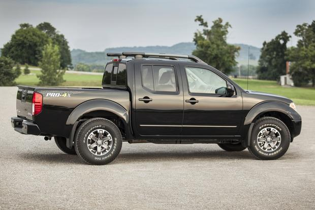 2015 Chevrolet Colorado vs. 2015 Nissan Frontier: Which Is ...