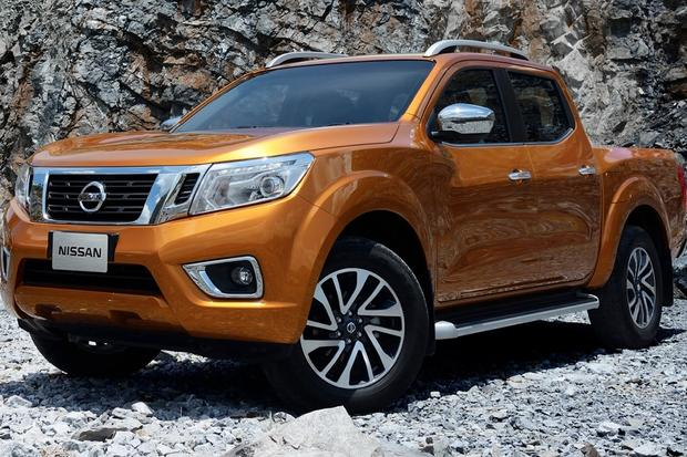 2015 nissan frontier new car review autotrader. Black Bedroom Furniture Sets. Home Design Ideas