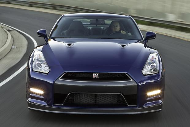 2013 Nissan GT-R: OEM Image Gallery featured image large thumb2
