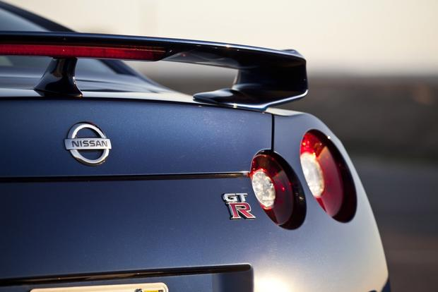 2013 Nissan GT-R: OEM Image Gallery featured image large thumb6