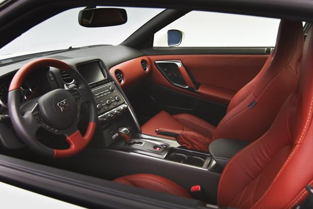 2014 nissan gt r new car review autotrader. Black Bedroom Furniture Sets. Home Design Ideas