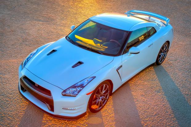 2015 Nissan GT-R: New Car Review featured image large thumb1